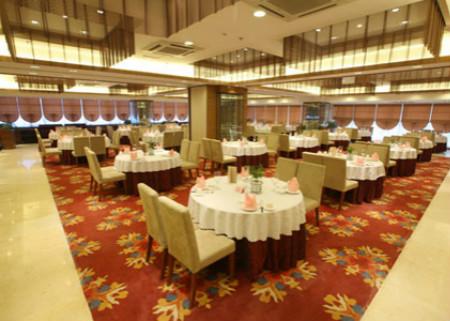 中南海天大酒店婚宴宴会厅 可容纳10-36桌